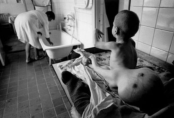 amphibia 2209 : photos - Page 2 Paul_fusco_chernobyl_legacy_l_heritage_de_tchernobyl_07